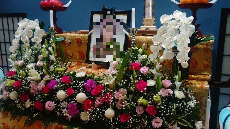 無宗教葬生花祭壇