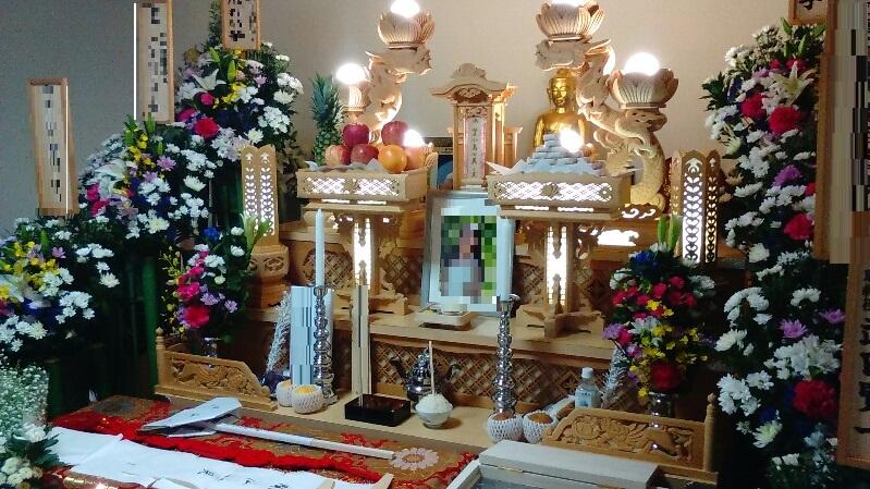 日蓮宗の葬儀 白木祭壇