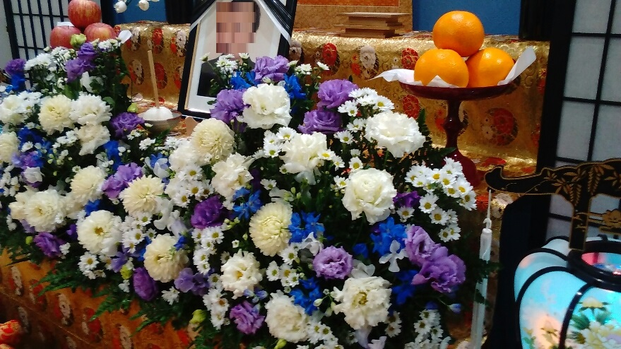 真言宗の葬儀お花祭壇